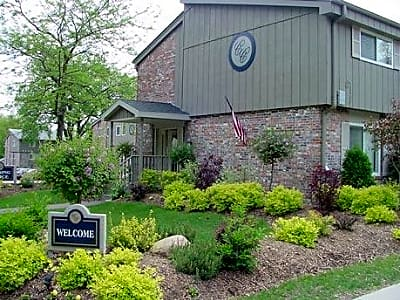 Cedar Crest Apartments - Waterloo, Iowa 50703