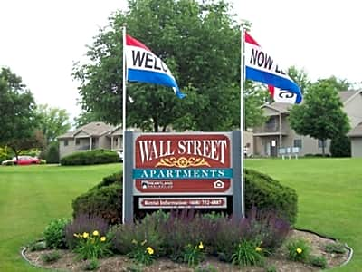 Wall Street Apartments - Janesville, Wisconsin 53548