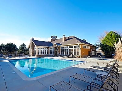 Crestone Apartment Homes - Aurora, Colorado 80012
