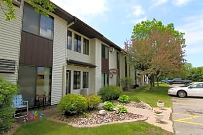 Manchester Court Apartments - Marshfield, Wisconsin