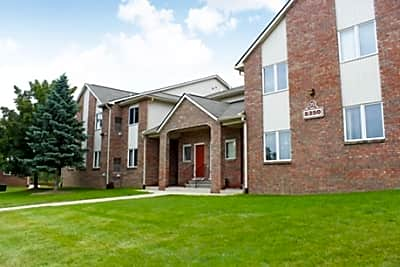 Stoney Creek Village Apartments - Shelby Township, Michigan 48316