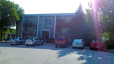 International Place Apartments - Peoria, Illinois 61614