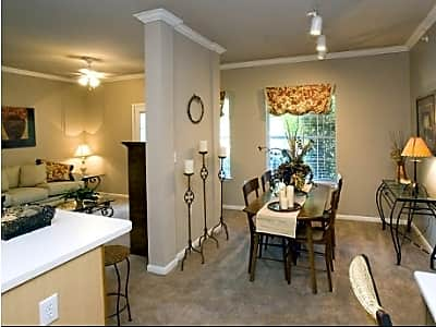 Mustang Ridge Apartments Reviews