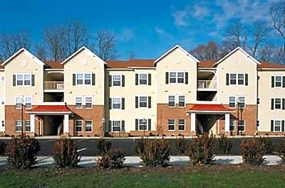 Spring Manor Apartments - Poughkeepsie, New York 12601