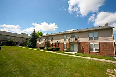 Grand Oaks Apartments - Grand Blanc, Michigan 48439