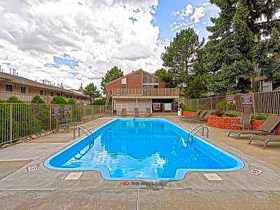 Willows at tamarac east hampden avenue denver co apartments for rent for Cheap 3 bedroom apartments in denver co
