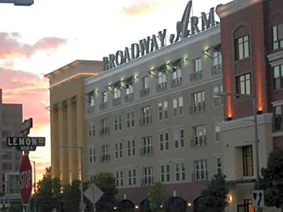 Broadway Arms - Anaheim, California 92805
