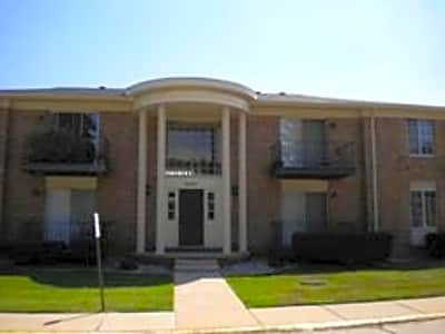 Kings Forest Apartments - Riverview, Michigan 48193