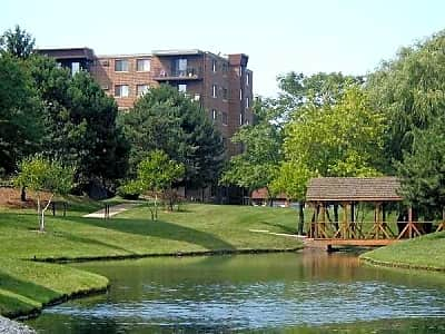 York Brook Apartments - Bensenville, Illinois 60106