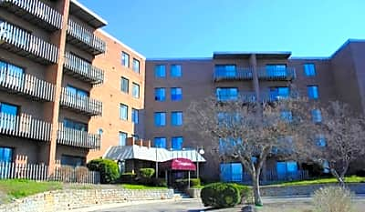 The Spyglass Apartments - Cincinnati, Ohio 45223