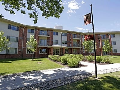Parkwood Pointe Apartments - Burnsville, Minnesota 55337