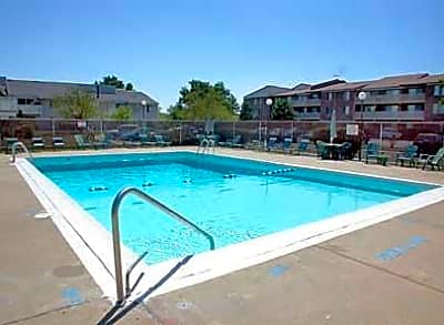 Beech Pointe Apartments - Schaumburg, Illinois 60193