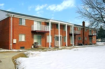 Woodside Manor Apartments - Fraser, Michigan 48026