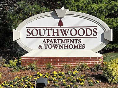 Southwoods Apartments - Saint Louis, Missouri 63126