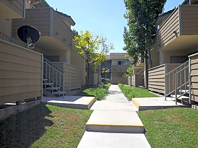 Windrose Apartments - Anaheim, California 92801