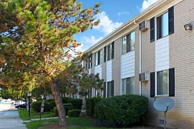 Tuscan Shores Apartments - Roseville, Michigan 48066