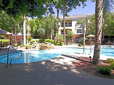 Estates On Maryland - Phoenix, Arizona 85015