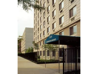 Queenswood Apartments 54 39 100th Street Corona Ny Apartments For Rent