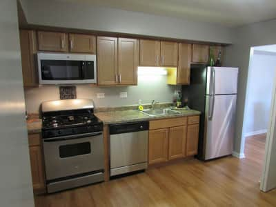 Townhomes at highcrest 83rd street woodridge il - 2 bedroom apartments in bolingbrook ...