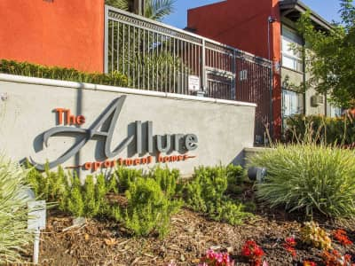 Allure Canoga Park Apartments Reviews