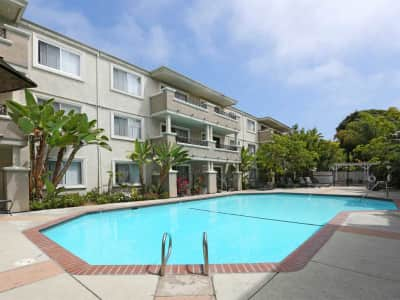 Playa Pacifica Apartments - Manchester Ave   Playa-del-rey ...