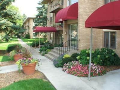Villa Del Coronado Zane Ave North Brooklyn Park Mn Apartments For Rent