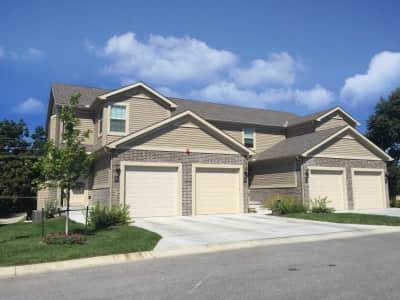 Brookwood village townhomes ne 5th street blue springs mo townhomes for rent for Village gardens blue springs mo