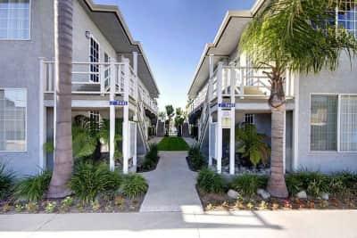 Marina Apartments East Sorrento Long Beach Ca