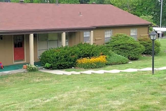 Frederick Avenue Apartments - Saint Joseph, Missouri 64506