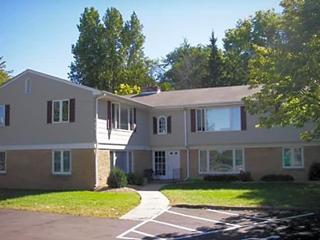 Highland Apartments - Wayzata, Minnesota 55391