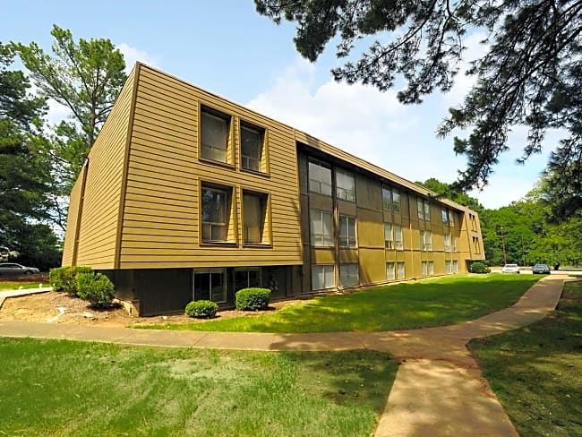 Summer Trace Apartments - Memphis, Tennessee 38134