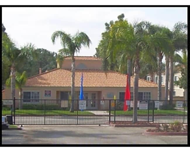 Oasis Town House - Fontana, California 92335