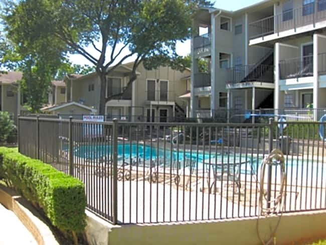Cheshire Gardens Apartments - Austin, Texas 78745