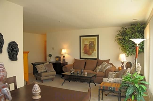 Carriage Cove Apartments - Canton, Michigan 48187