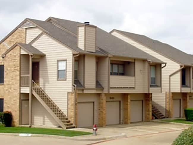 Broadmoor Villa Apartments - Irving, Texas 75038