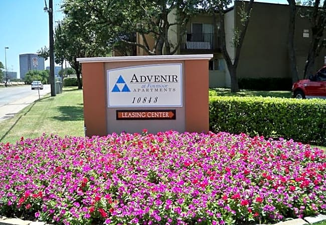 Advenir at Foxmoor - Dallas, Texas 75231