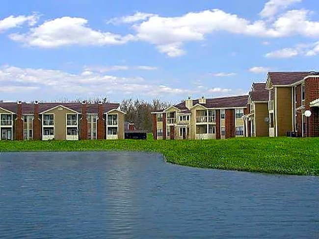 Oaks Of Eagle Creek Apartment Homes - Indianapolis, Indiana 46254