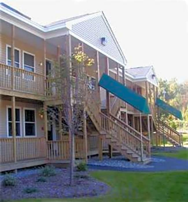 3 Bennett Way Apartments - Newmarket, New Hampshire 03857