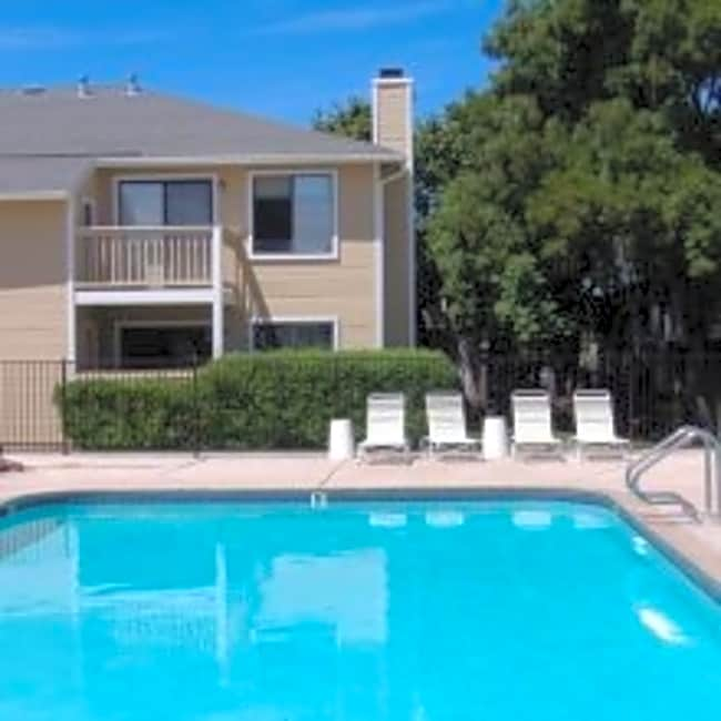 Los Prados Apartment Homes - Pittsburg, California 94565