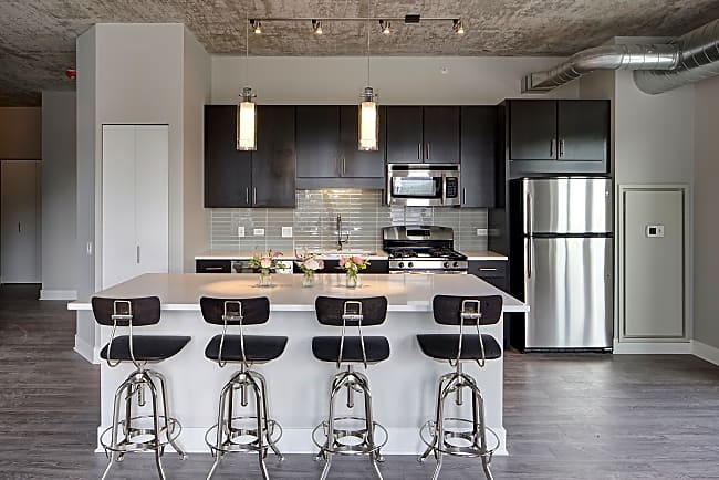 AMLI Lofts - Chicago, Illinois 60605