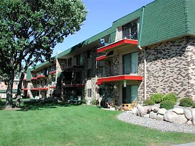 Garden Oaks Apartments - Coon Rapids, Minnesota 55448