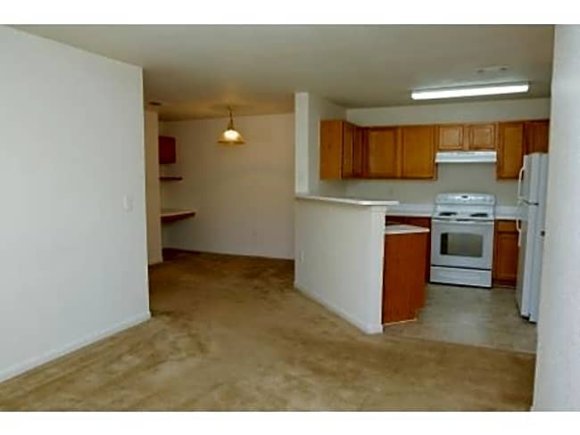 Cloverbasin Village Apartments - Longmont, Colorado 80503