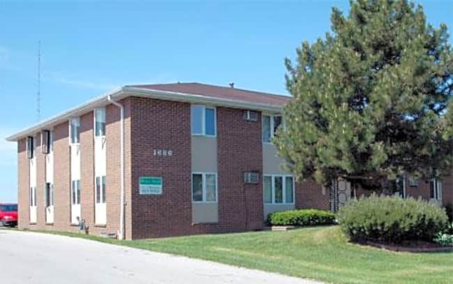 Windsor Heights Apartments - Green Bay, Wisconsin 54302