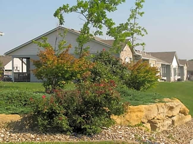 Greenway Villas - Raymore, Missouri 64083
