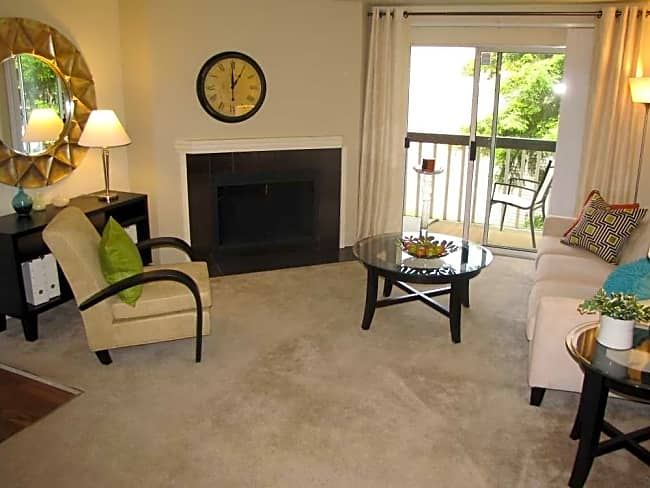 Amberview Apartments - Auburn, Washington 98092