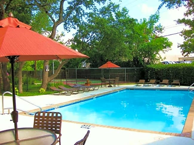 Laurel Woods Apartments - Austin, Texas 78750