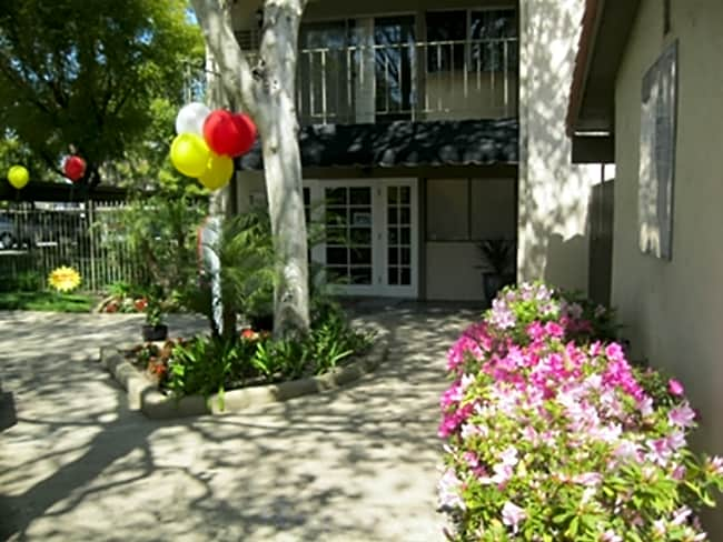 La Serena Apartments - Rowland Heights, California 91748