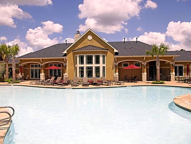 The Retreat at Conroe - Conroe, Texas 77304