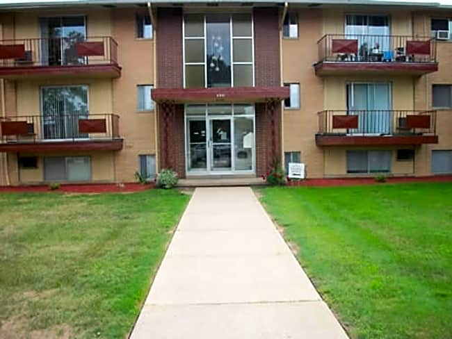 Kingston Place Apartments - Middleburg Heights, Ohio 44130
