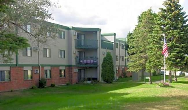 Fairway Woods Apartments - Winona, Minnesota